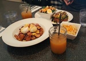 Broken Yolk breakfast brunch lunch restaurant nw calgary