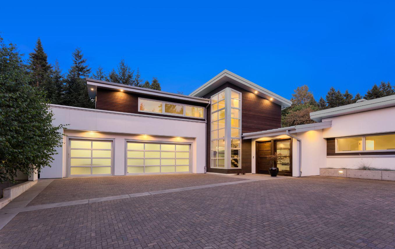 Luxury Acreage Home Near Calgary
