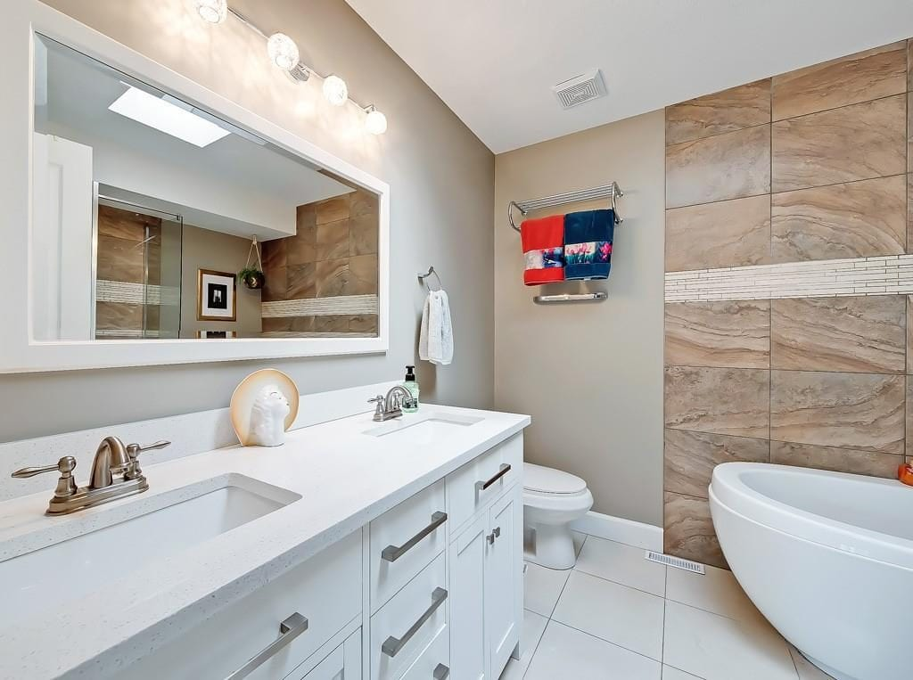 hawkwood home for sale master bathroom view