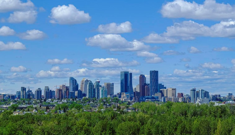 best communities in southeast Calgary downtown skyline