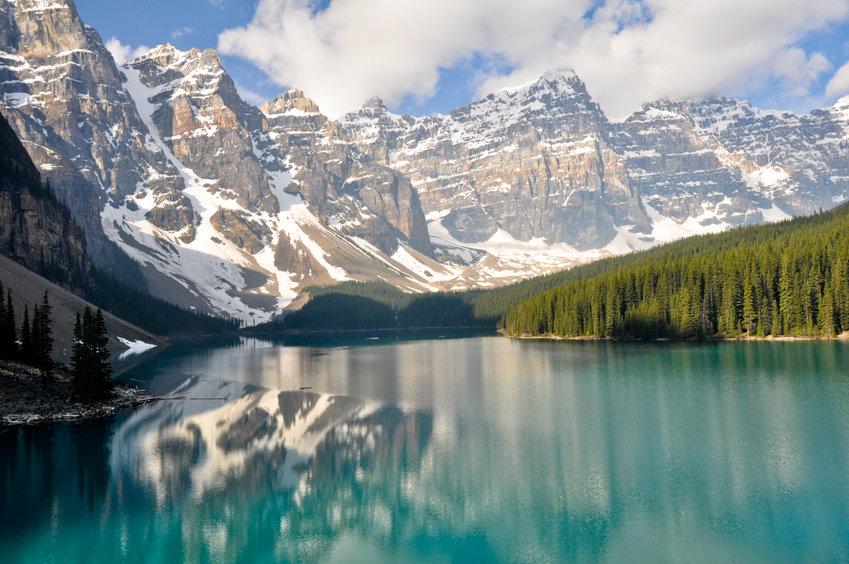 what is calgary famous for - close proximity to mountains and lakes